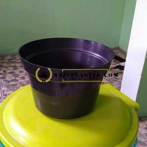 Pot Bunga Plastik 17 Hitam